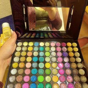 Eye glitter palette